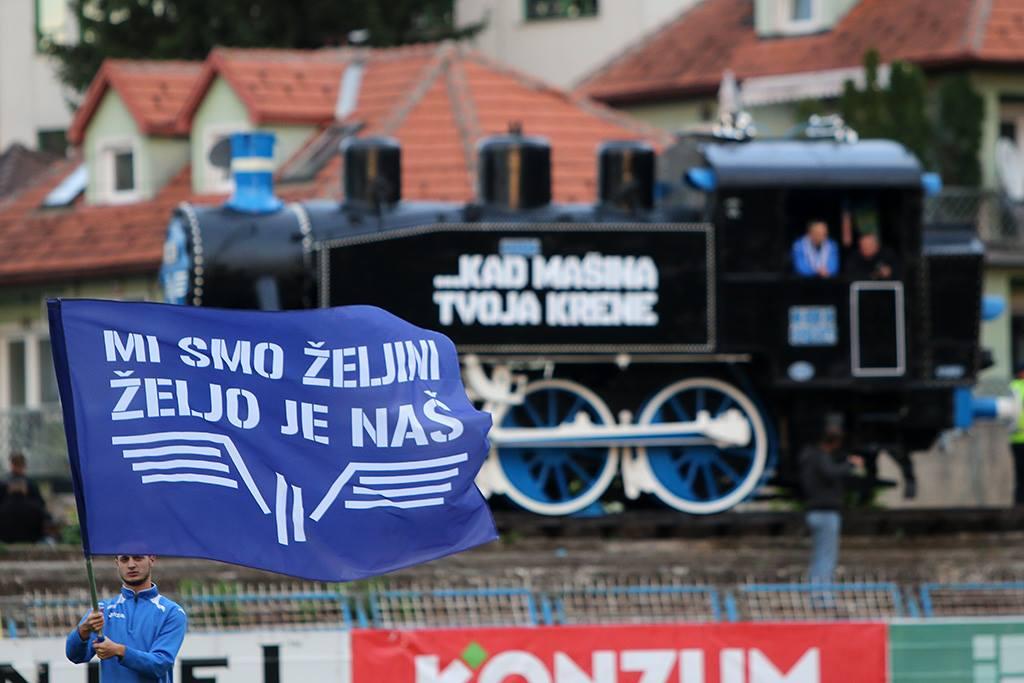 Čuvena lokomotiva u novom ruhu.  Foto: Damir Hajdarbašić, fkzeljeznicar.ba